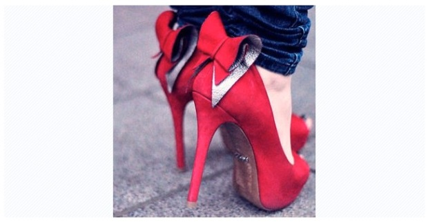 chaussure rouge noeud papillon