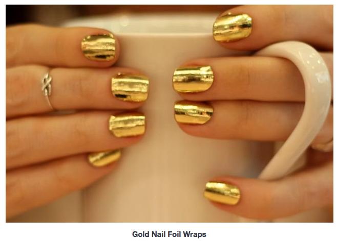Vernis à ongle doré