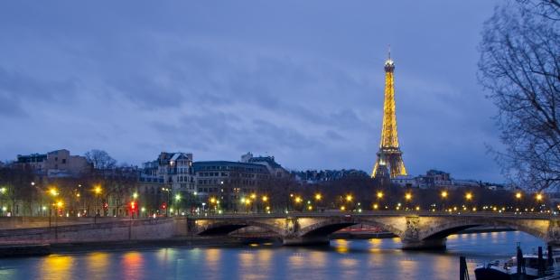 Pont des Invalides et Tour Eiffel par Carlos Delgado
